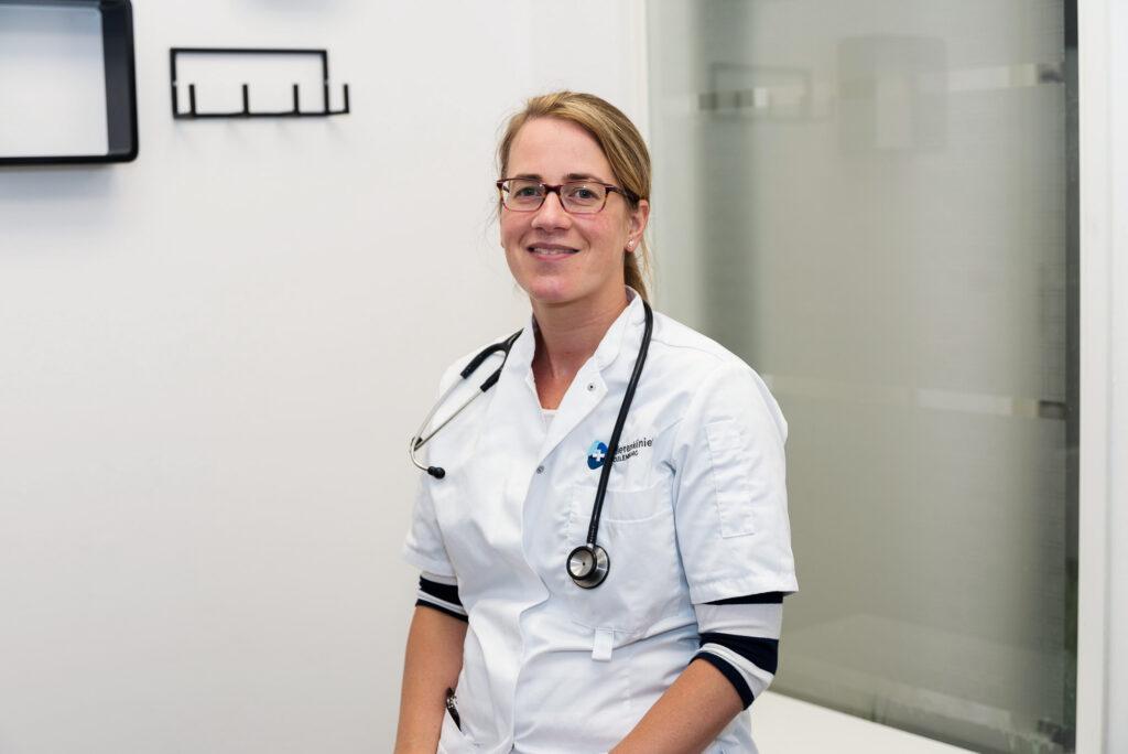 Drs. Lona Jansen-van der Duijn Schouten Dierenarts